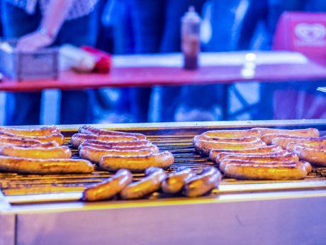 Lecker Bratwurst (und vieles mehr) kann auch vegan sein. Symbolfoto: Pascal Höfig