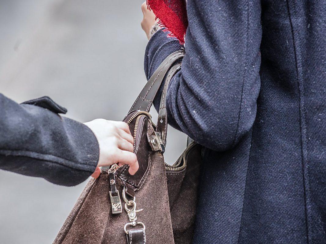 Taschendiebstahl. Symbolbild: Pascal Höfig
