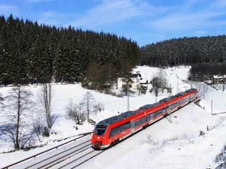 Mit der Mainfrankenbahn und dem Main-Spessart-Express ins Wintererlebnis. Foto: DB Regio