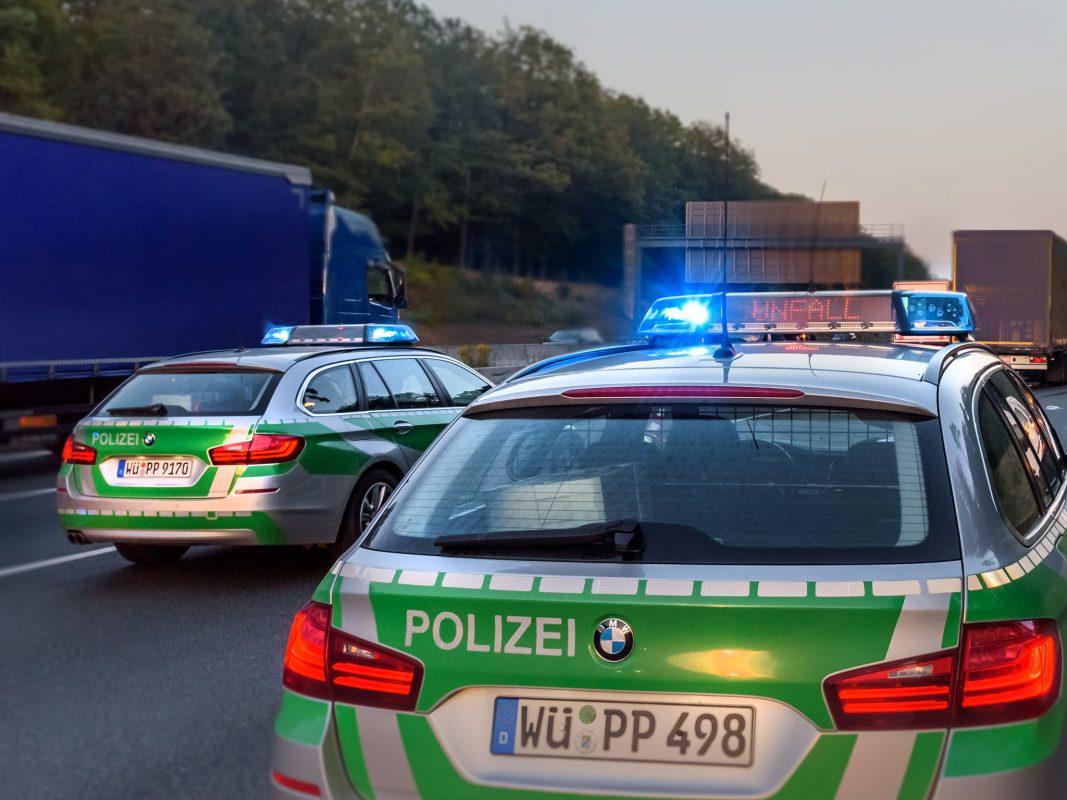 Polizei auf der Autobahn. Symbolfoto: Pascal Höfig