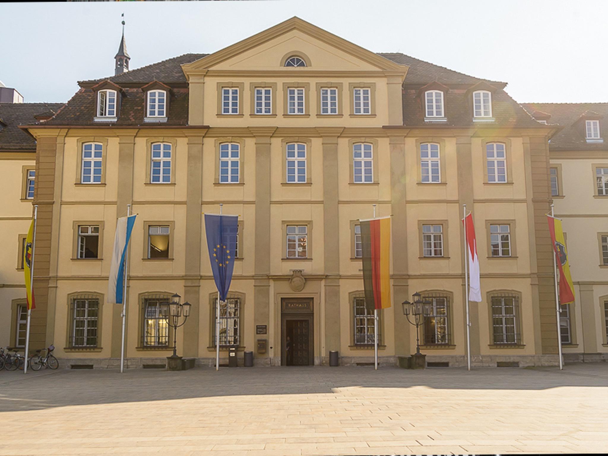 Ehrenhof des Rathauses in Würzburg. Symbolbild: Pascal Höfig