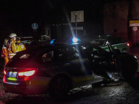 Zahlreiche Einsatzkräfte bei der Suche nach den Vermissten in Oberdürrbach. Foto: Pascal Höfig