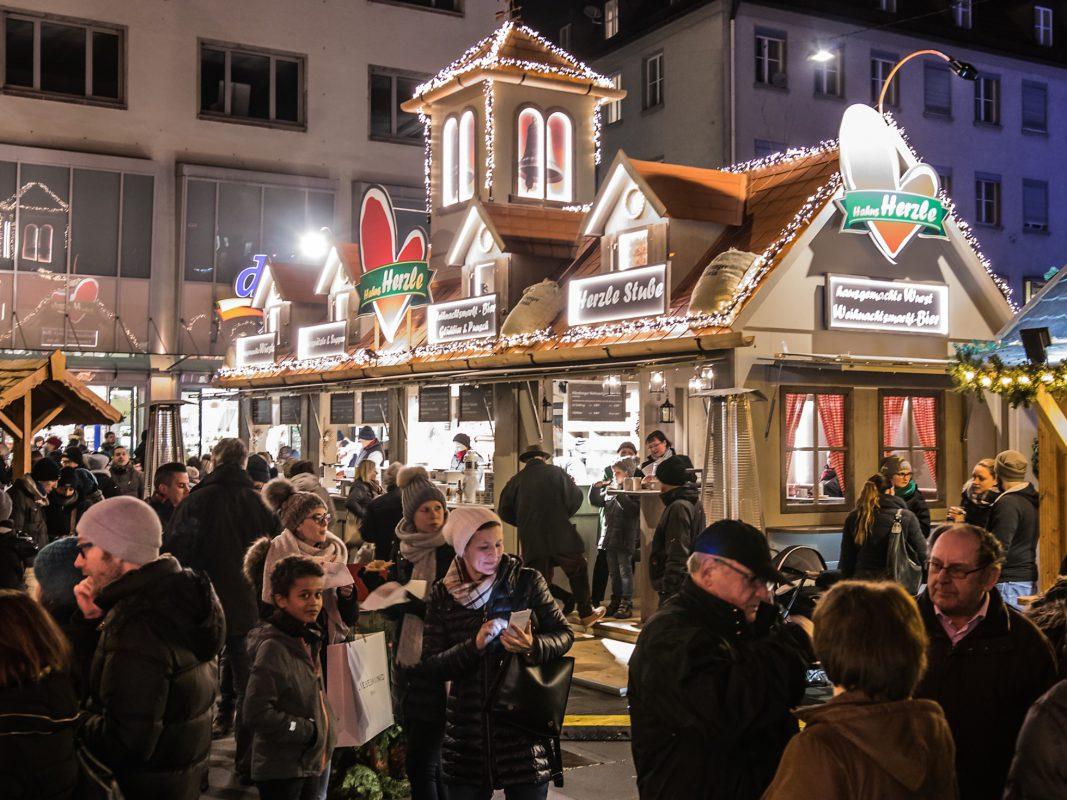 Traditionell - aber zeitgemäß: hahnZelt am Würzburger Weihnachtsmarkt. Foto: hahnZelt