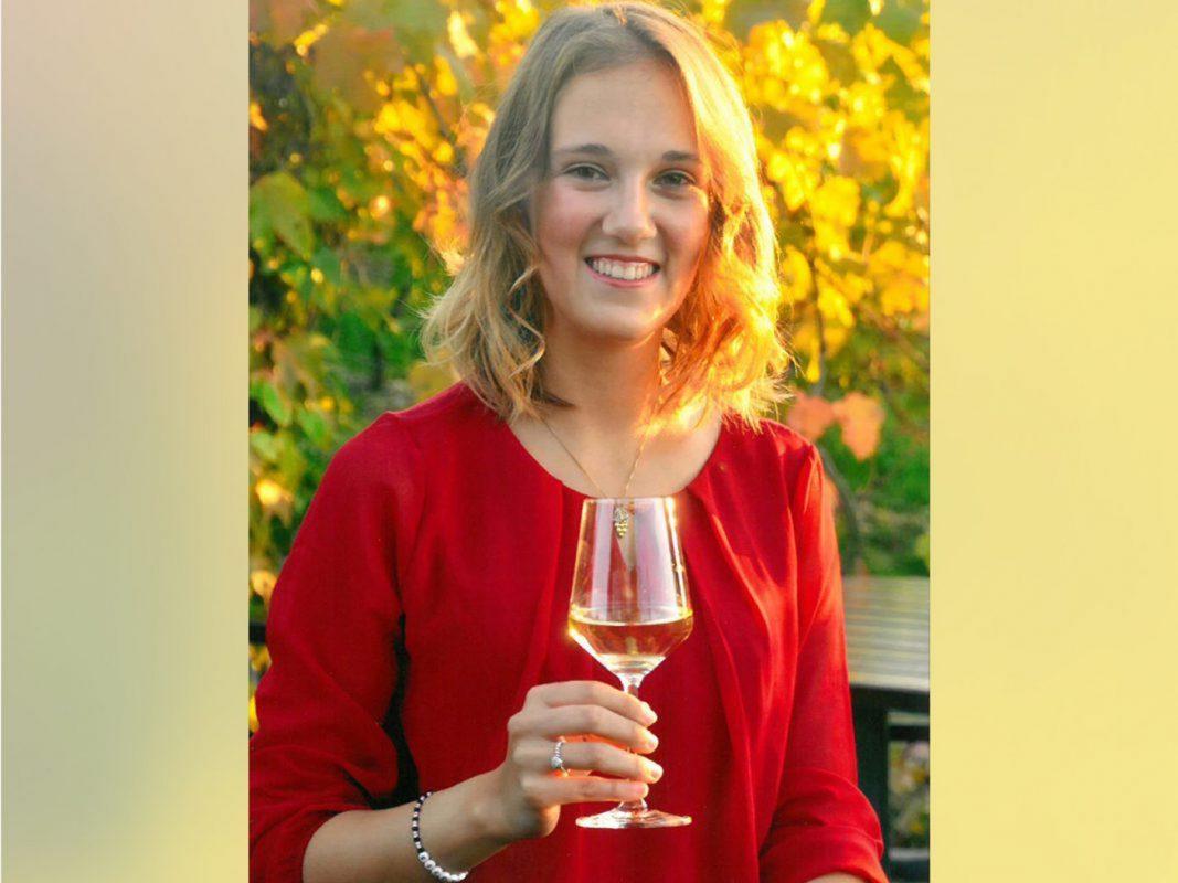 Die amtierende Fränkische Weinkönigin Silena Werner. Foto: Fränkischer Weinbauverband