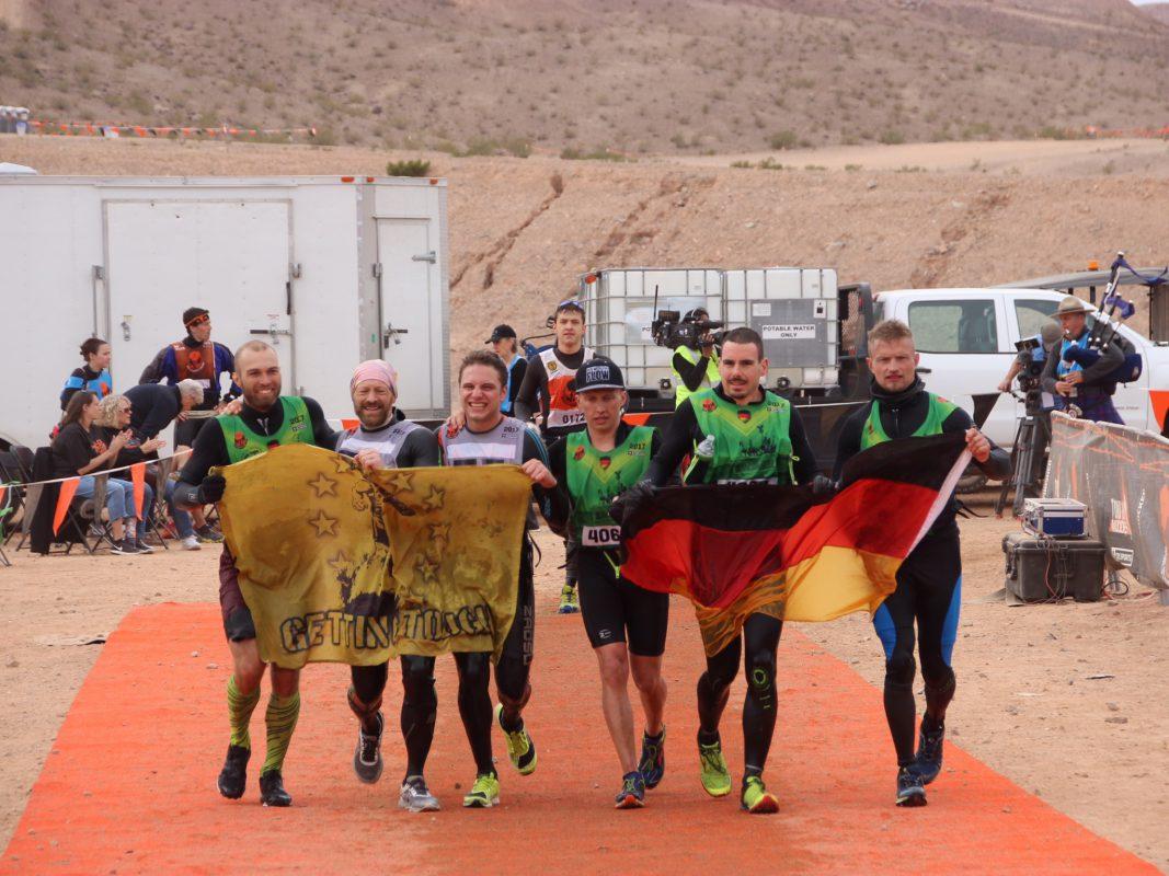 Zieleinlauf beim Worlds Toughest Mudder. Foto: Stephan Schüppel