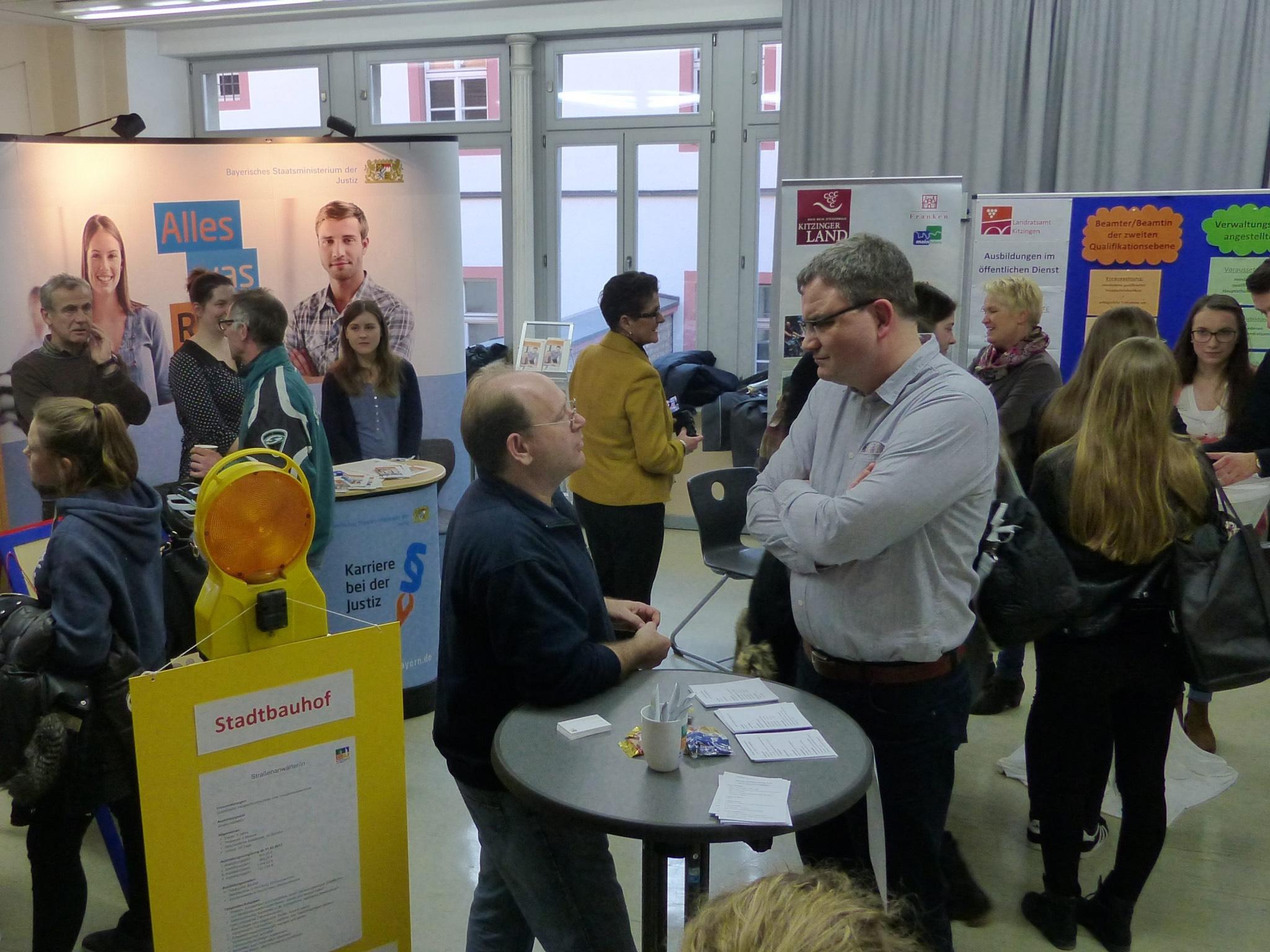 Über 90 Unternehmen stellen sich vor. Foto: Staatliche Berufsschule Kitzingen