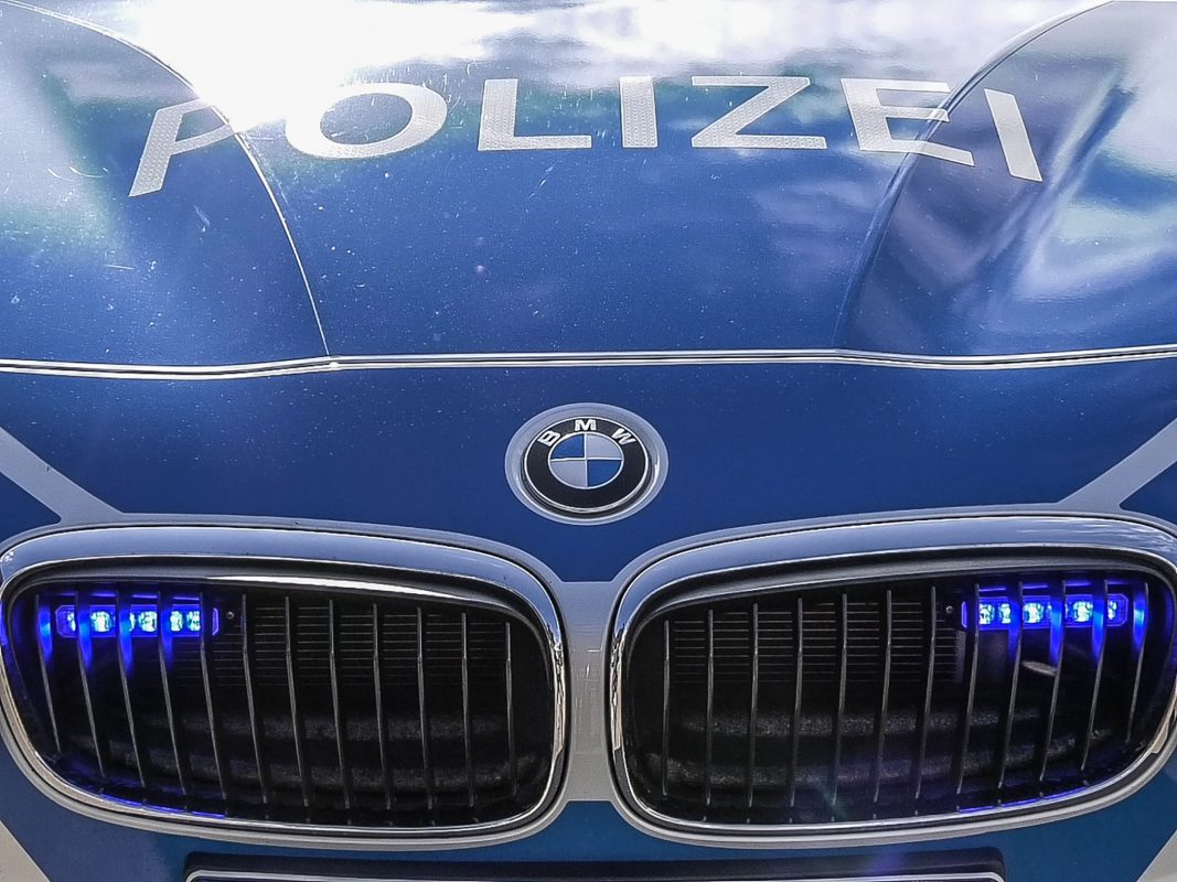Blaulicht Polizeifahrzeug. Foto: Pascal Höfig
