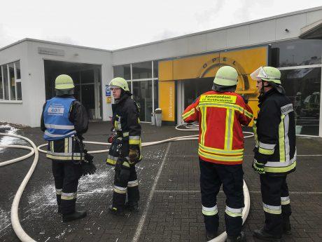 Brand in Marktheidenfelder Autohaus. Foto: Feuerwehr Marktheidenfeld/Benedict Rottmann