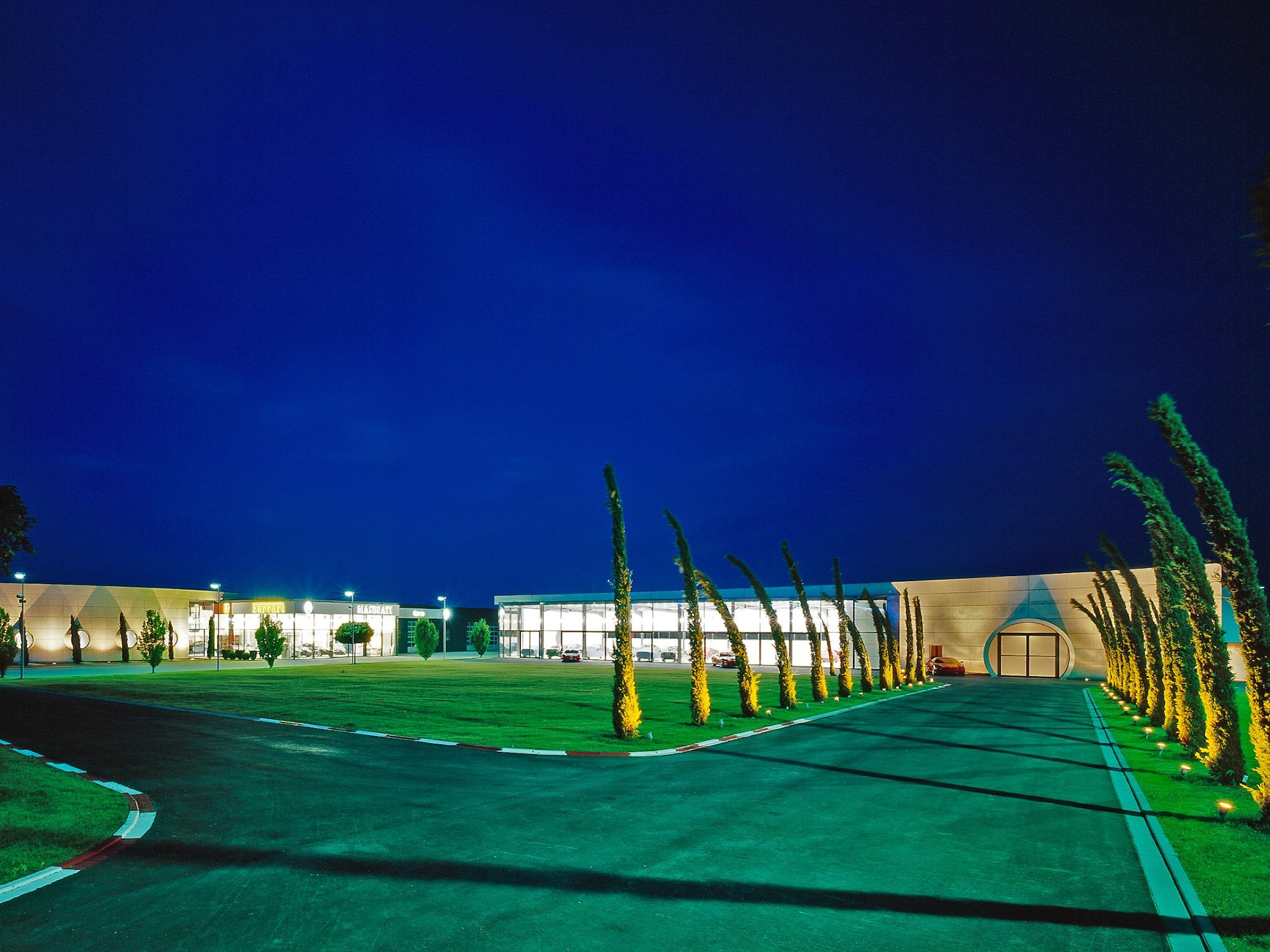 Außergewöhnliche Pop-Up Location - Sportwagenzentrum im Mainfrankenpark. Foto: Urban Table