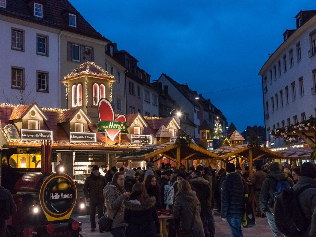 Hahns Herzle auf dem Würzburger Weihnachtsmarkt. Foto: Pascal Höfig