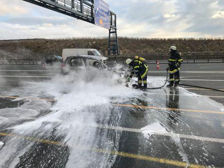 Floriansjünger aus Rottendorf und Randersacker löschten den Brand. Foto: Freiwillige Feuerwehr Randersacker