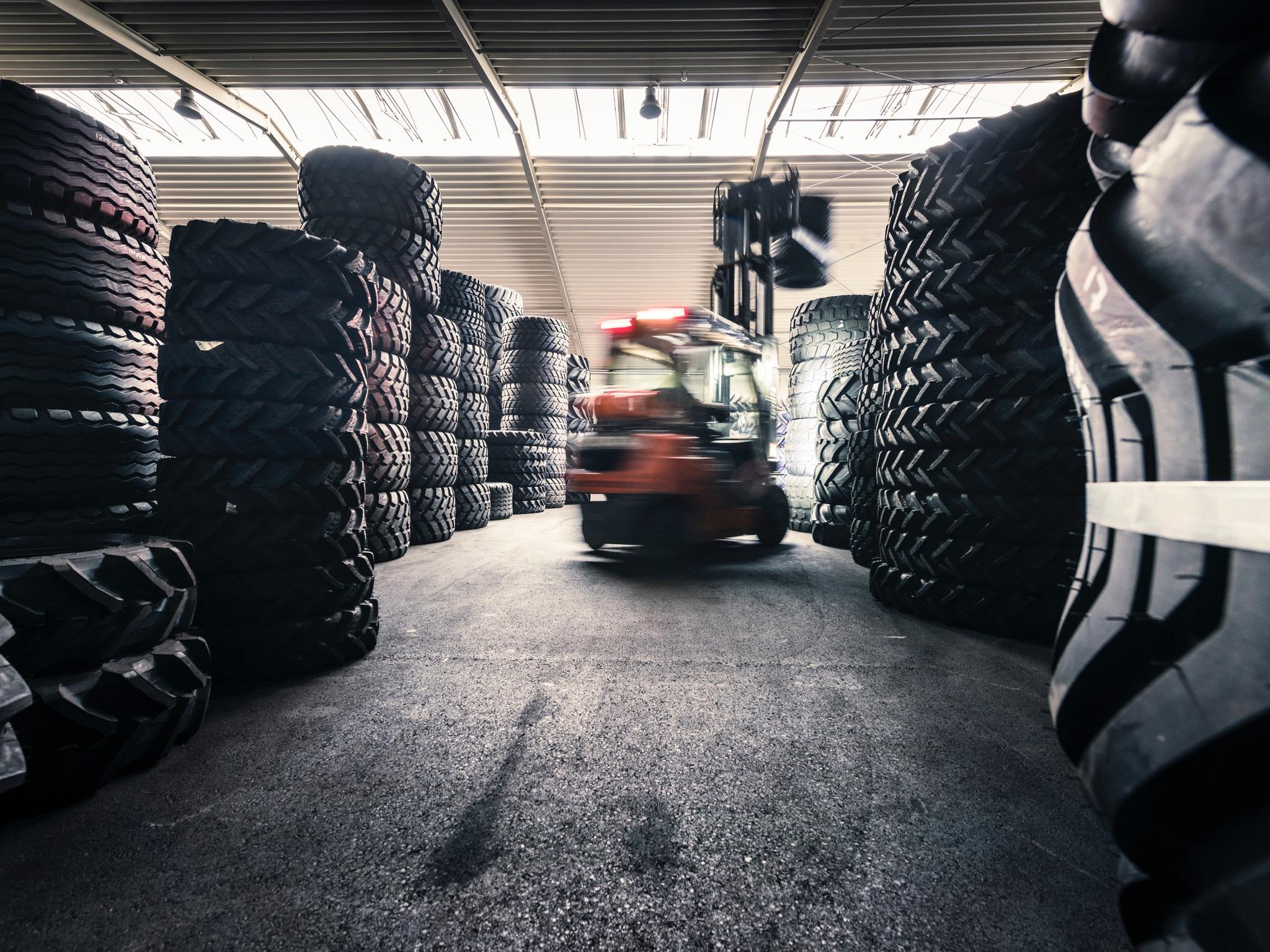 Auch ein Azubi im Bereich Lagerlostik wird gesucht! Foto: Pabst Transport GmbH & Co. KG