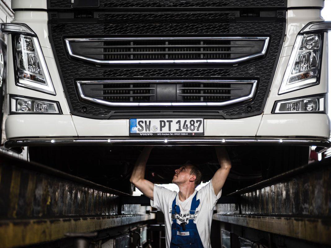 Azubi Florian bei der Arbeit. Foto: Pabst Transport GmbH & Co. KG