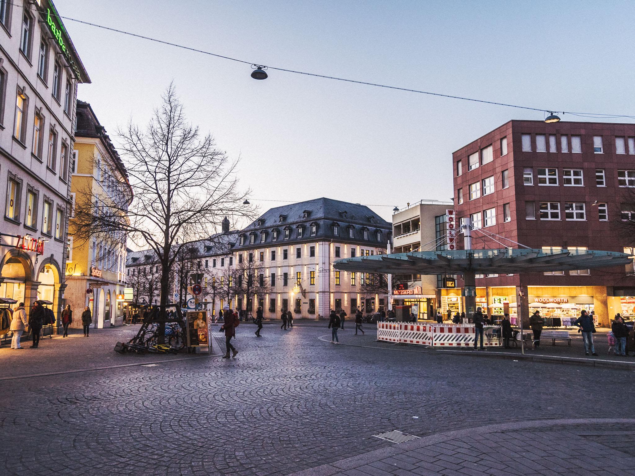 Obere Juliuspromenade mit Barbarossaplatz. Foto: Pascal Höfig