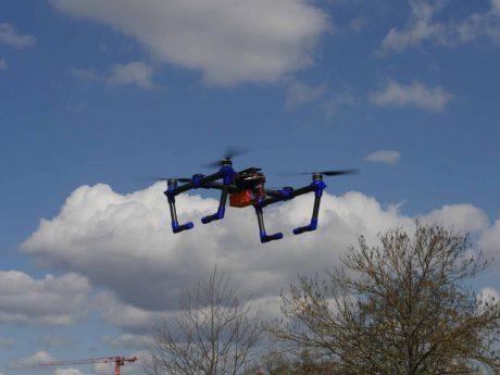 Das Drohnen-Abwehrsystem besteht aus zwei solcher Drohnen und soll innrhalb weniger Sekunden einsatzbereit sein. Foto: Rebecca Axén