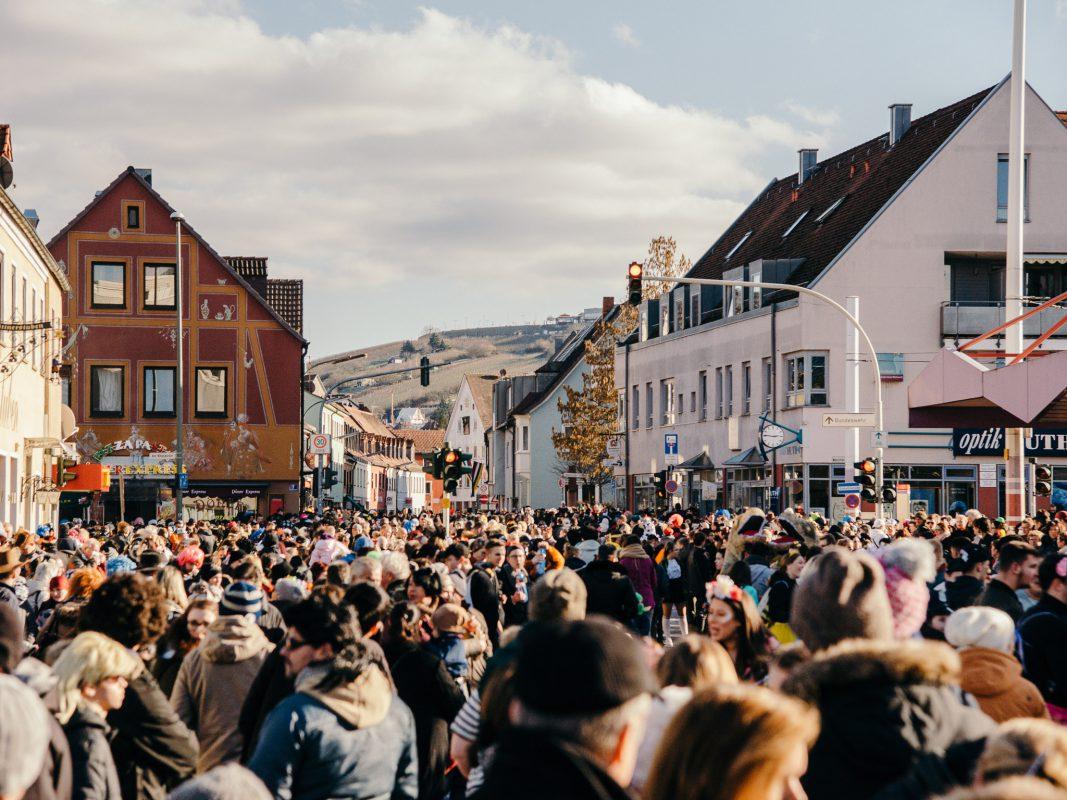 Im Bereich der Straßenbahnhaltestelle Reuterstraße kam es zu mehreren Auseinandersetzungen. Foto: Pascal Höfig