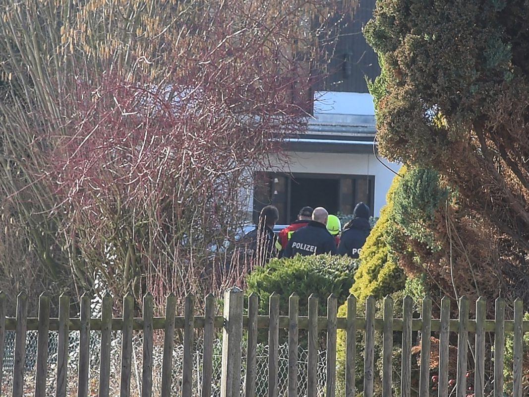 Das Haus musste wegen des Verdachts des Austritts von Kohlenmonoxid geräumt werden. Foto: Pascal Höfig