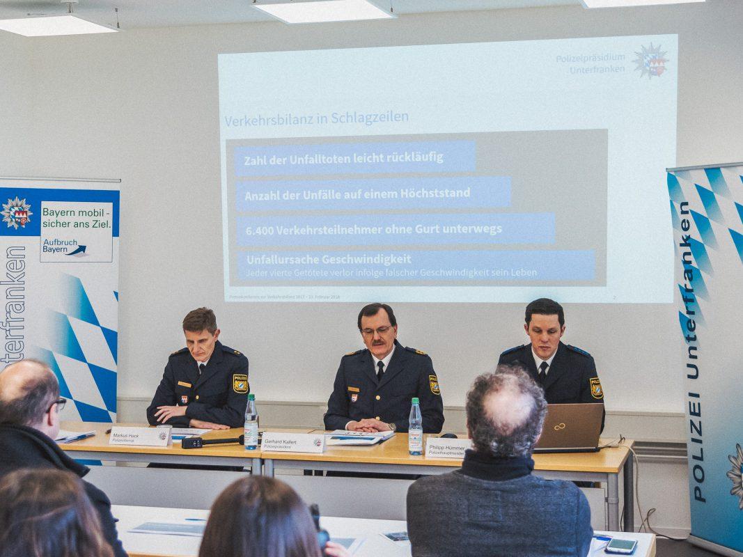Polizeipräsident Gerhard Kallert präsentiert am Freitag bei der Verkehrspolizeiinspektion Würzburg-Biebelried die unterfränkische Verkehrsbilanz für das Jahr 2017. Foto: Pascal Höfig