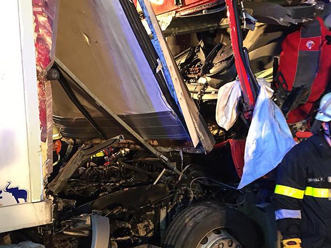 Aus diesem Wrack kam der Fahrer lebend heraus. Foto: Freiwillige Feuerwehr Rottendorf