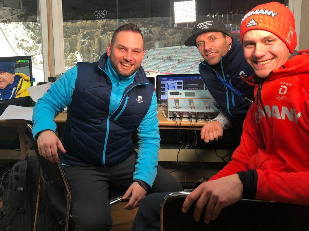 Matze Bielek bei der Arbeit mit Olympiazweiten Stephan Leyhe und Kollege Sven Hannawald. Foto: Matze Bielek