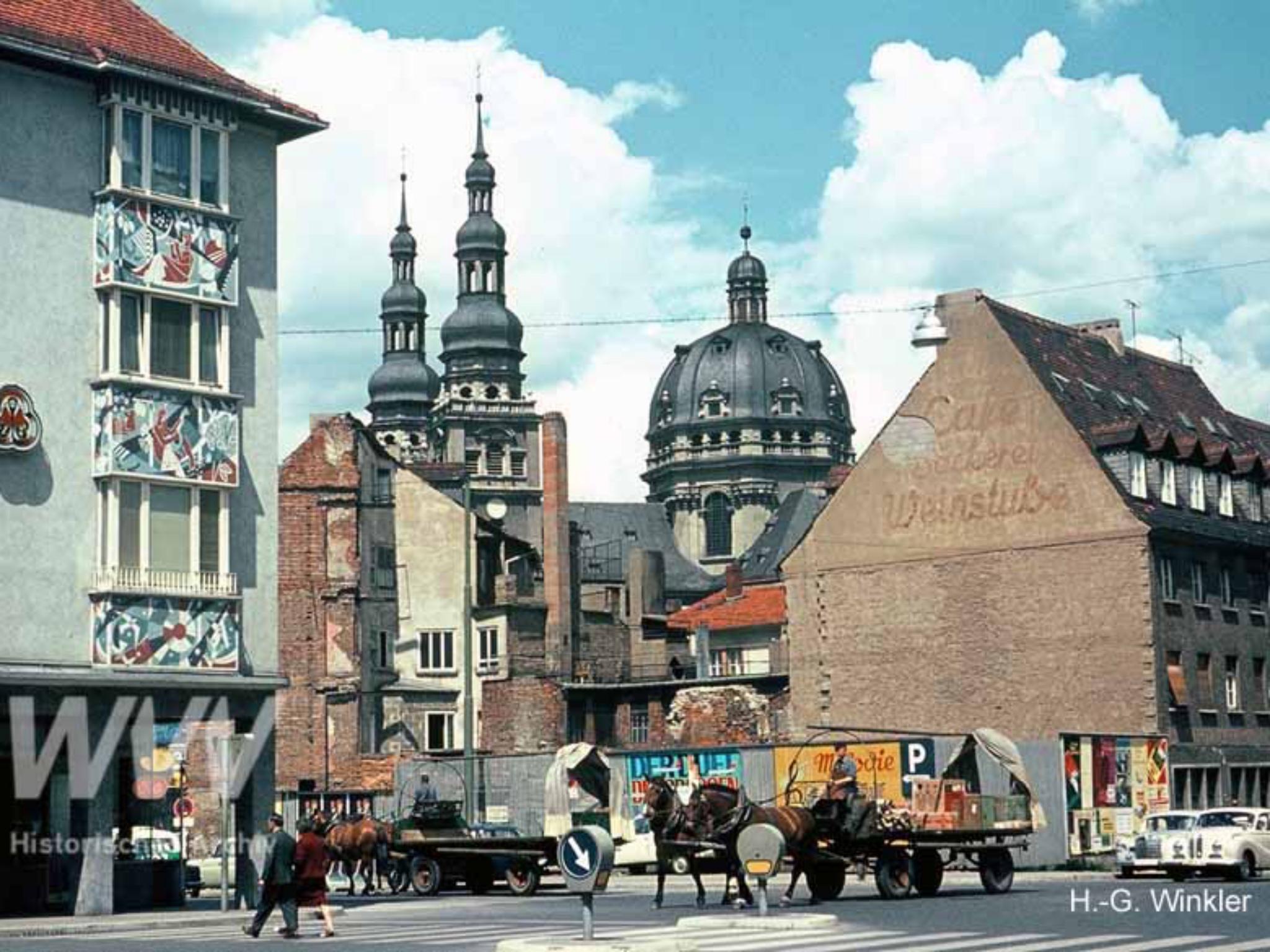 Ein Blick auf die Kreuzung Semmelstraße-Textorstraße im Jahr 1965. Foto: Historisches Archiv der WVV
