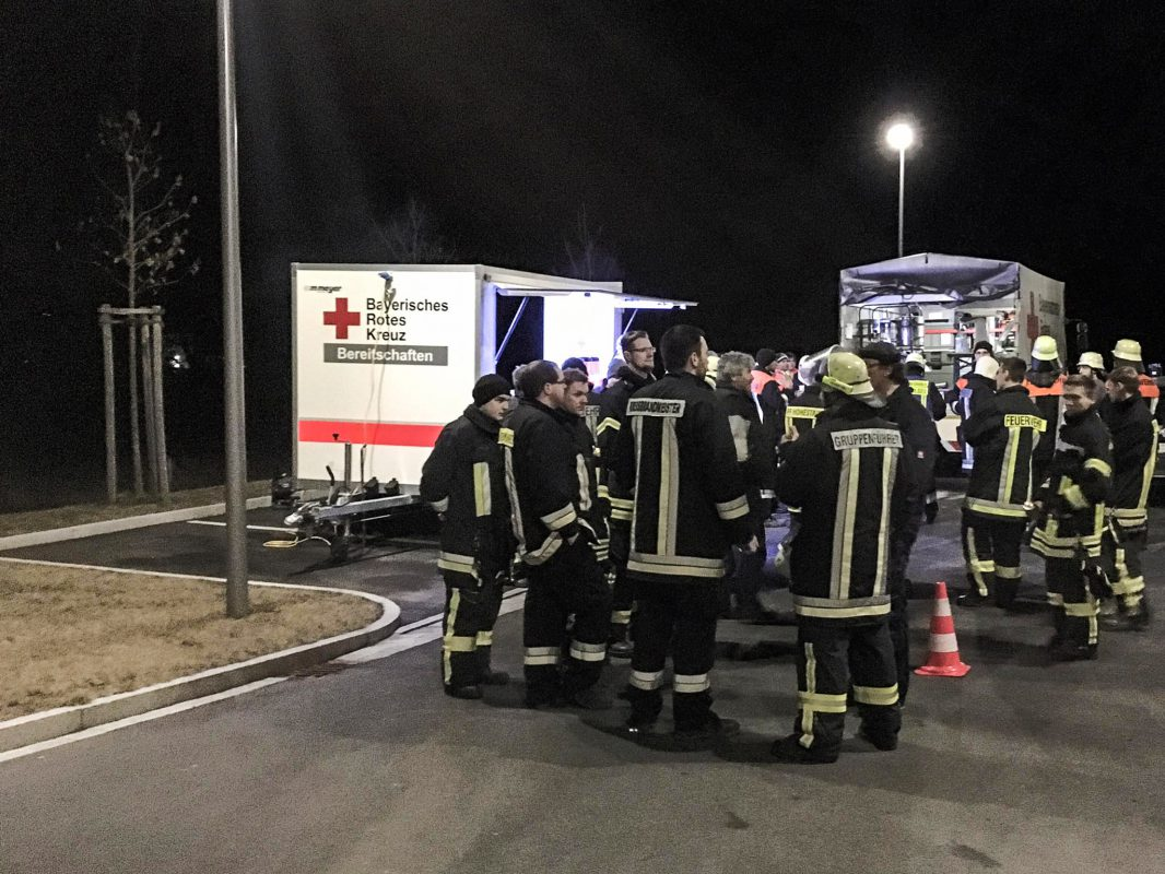 Insgesamt waren rund 100 Einsatzkräfte in die Suche vor Ort eingebunden. Foto: Freiwillige Feuerwehr Ochsenfurt