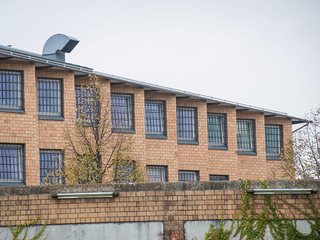 Die Justizvollzugsanstalt in Würzburg. Foto: Pascal Höfig