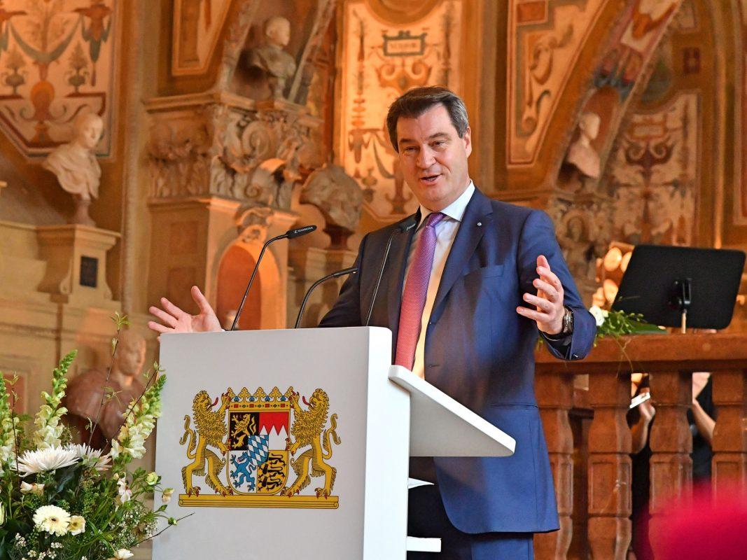 Ministerpräsident Markus Söder bei der Feierstunde. Foto: Rolf Poss (Bayerische Staatskanzlei).