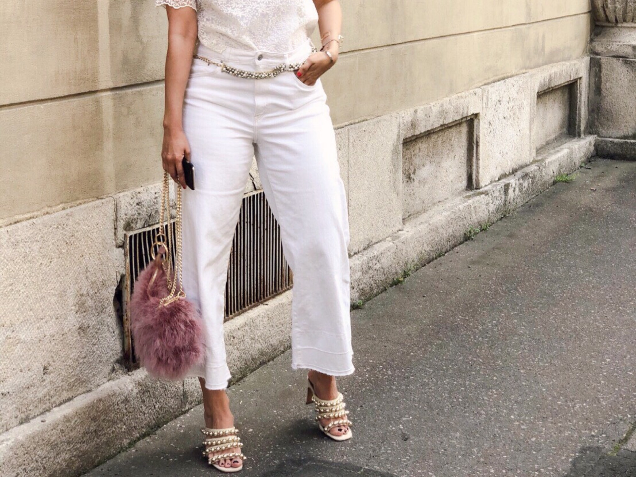 Annabelles Outfit für die White Party. Foto: Lea Demir