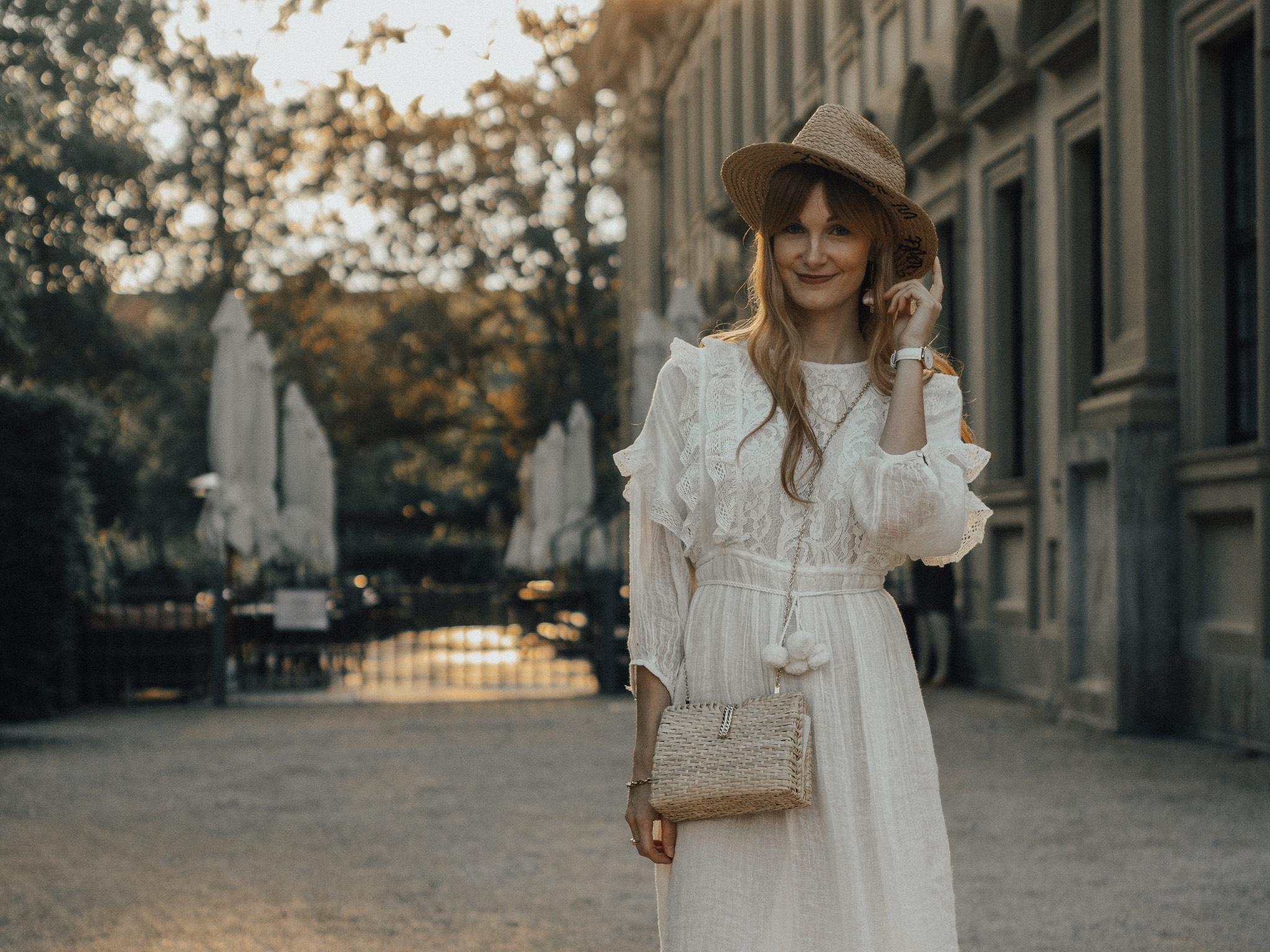 8788ab6ca54764 White Party  Diese weißen Outfits tragen Würzburgs Fashionistas ...