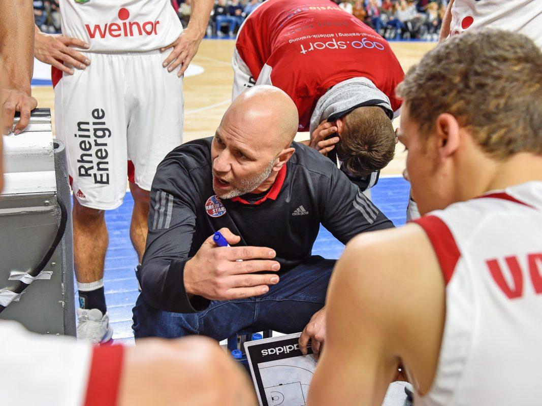 Always listen to the Coach. Foto: Gero Müller-Laschet (RheinStars Köln).