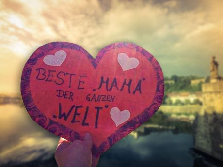 Mama ist die Beste! Fotomontage: Dominik Ziegler