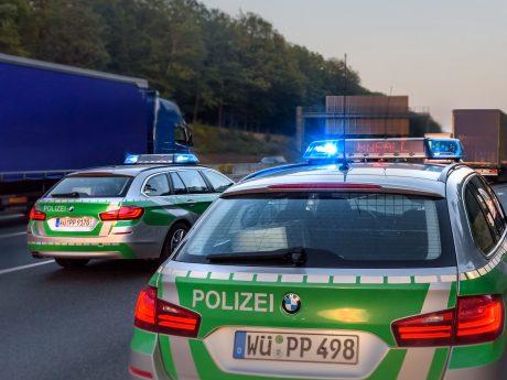 Polizei im Einsatz auf der Autobahn. Foto: Pascal Höfig