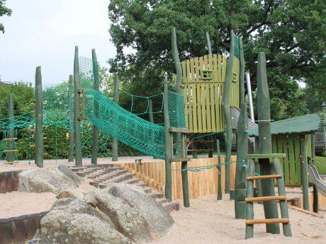 Neue Spiellandschaft im Landesgartenschaugelände von 1990. Foto: Gartenamt/Lampert