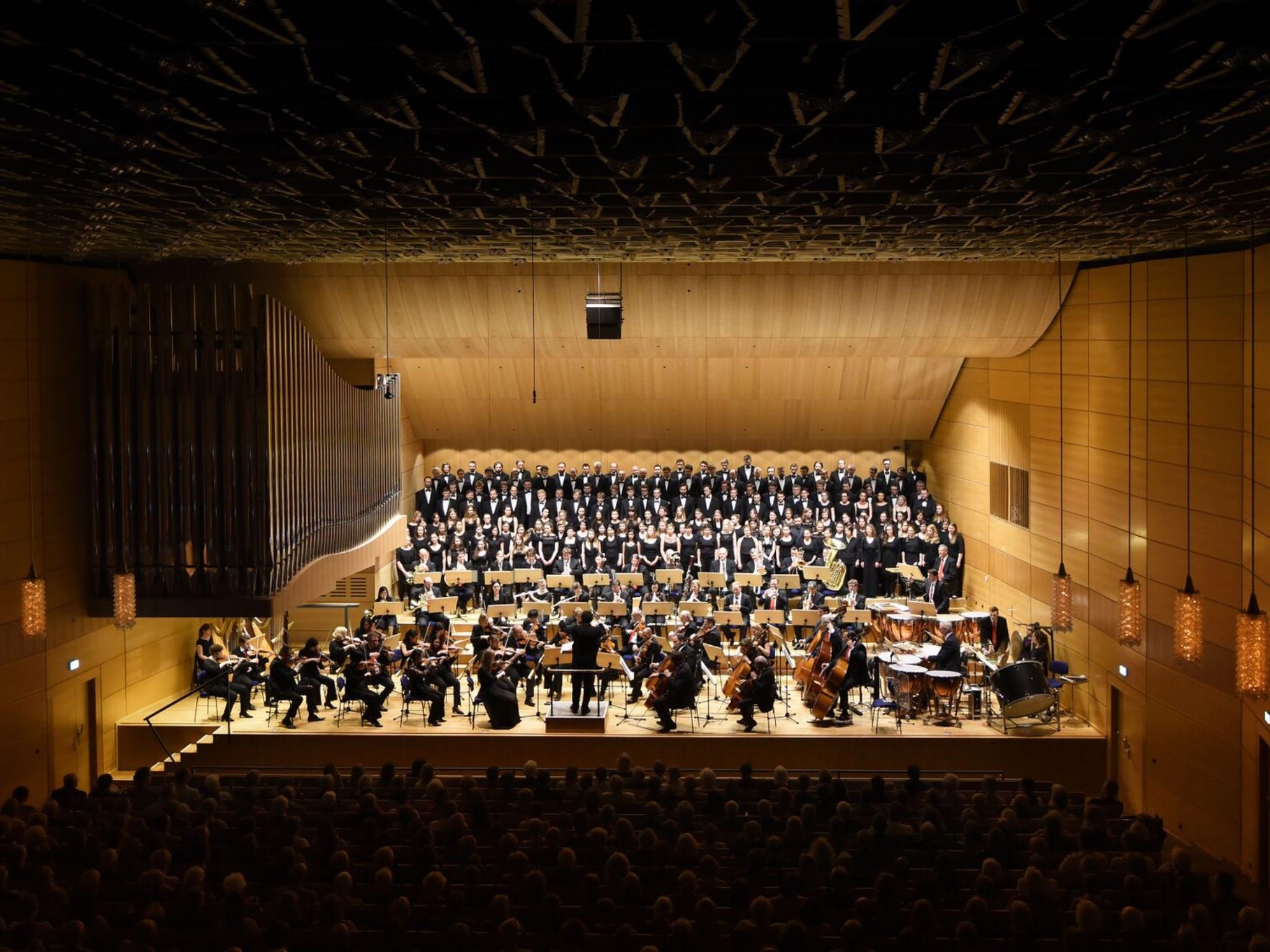 Detailverliebte Orchesterklänge und monumentaler Chorgesang macht die Auftritte des Monteverdichors zum unvergesslichen Erlebnis. Foto: Bernd Günther