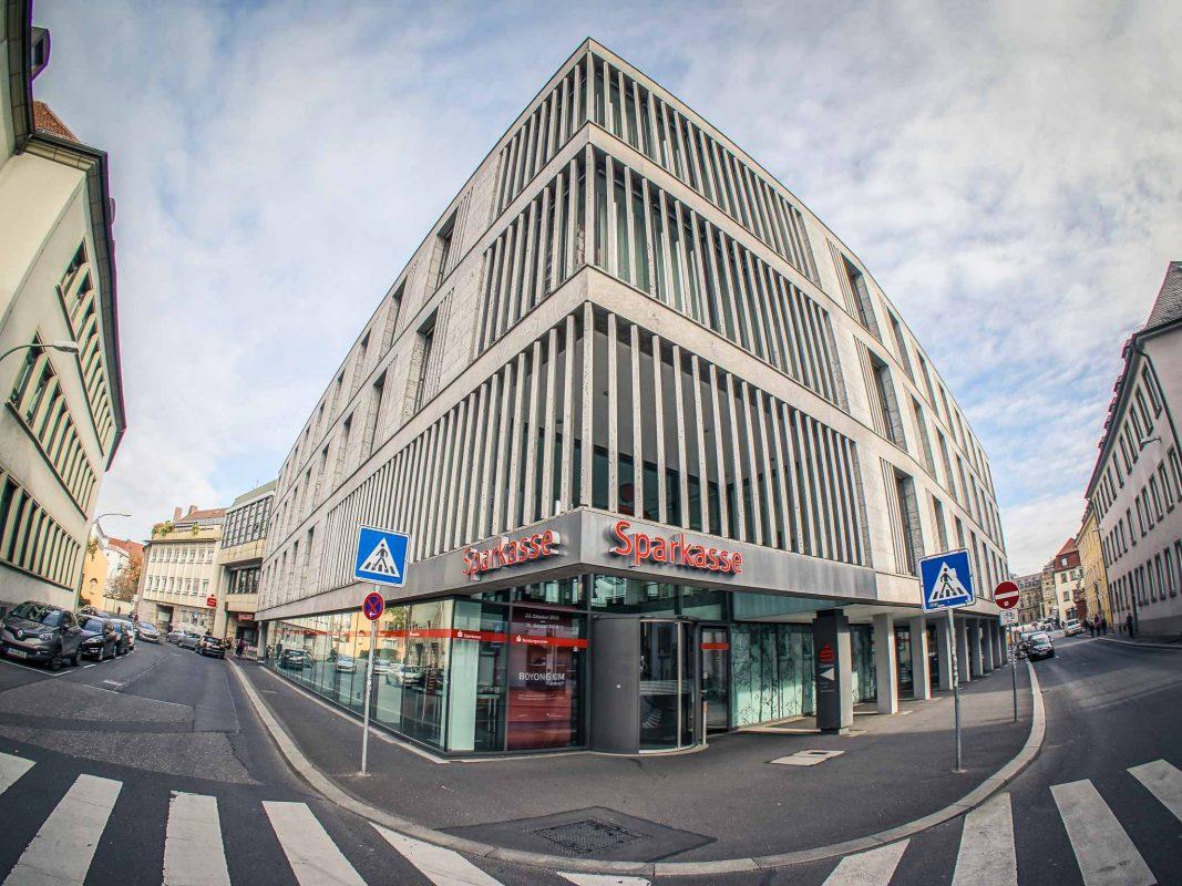 Filiale der Sparkasse Mainfranken Würzburg. Foto: Dominik Ziegler