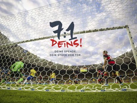 Die DAHW-Spendenaktion zum WM-Tor. Foto: © imago/Action Pictures