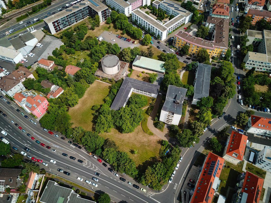 Das Ferdinandeum aus der Luft. Foto: xtrakt Verlag / Thomas Düchtel