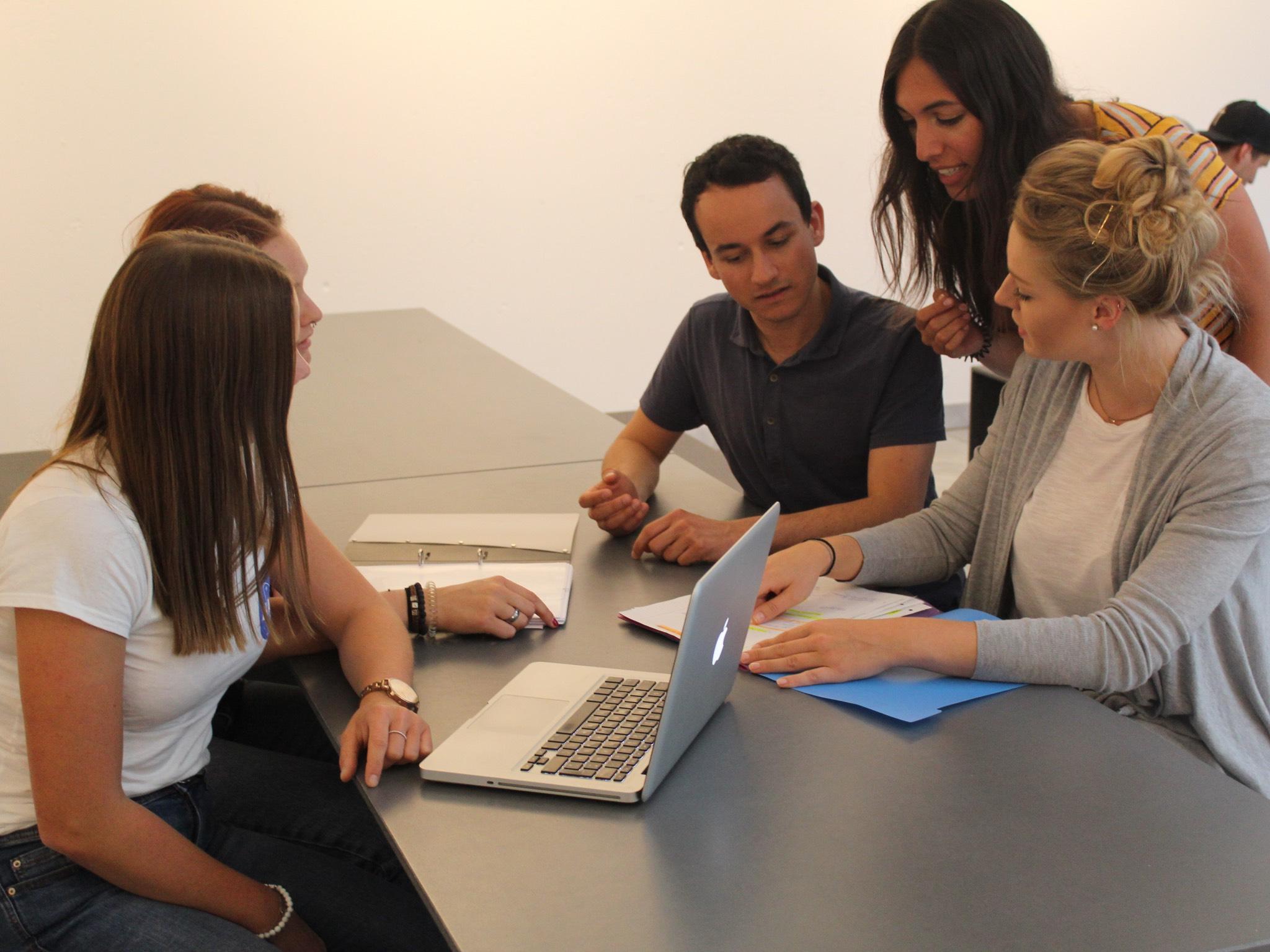 Sie setzen sich für mehr Frauen in den Wirtschaftswissenschaftenein. Foto: Anneke Kirsch