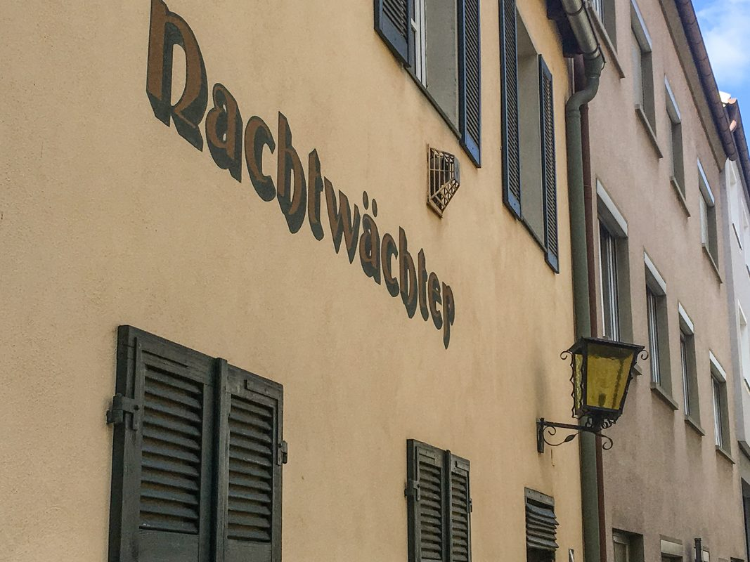 """Der """"Nachtwächter"""" in Würzburg. Foto: Pascal Höfig"""