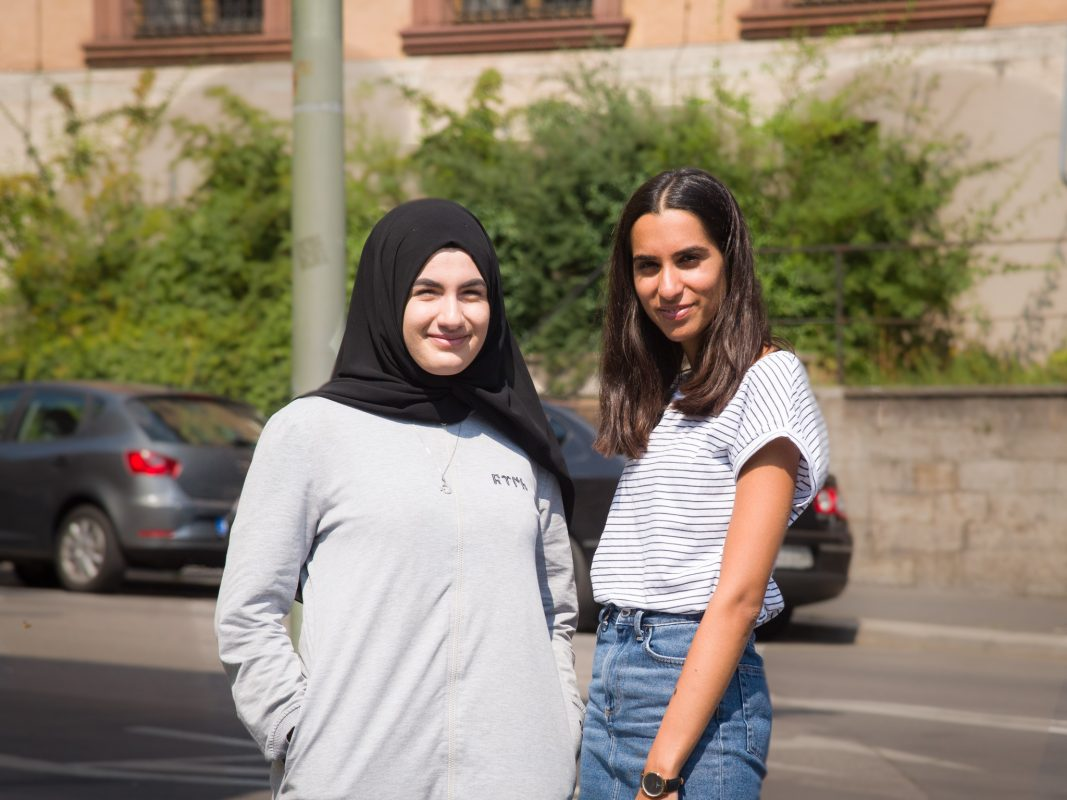 Fatma (links) und Meliz. Foto: Pascal Höfig