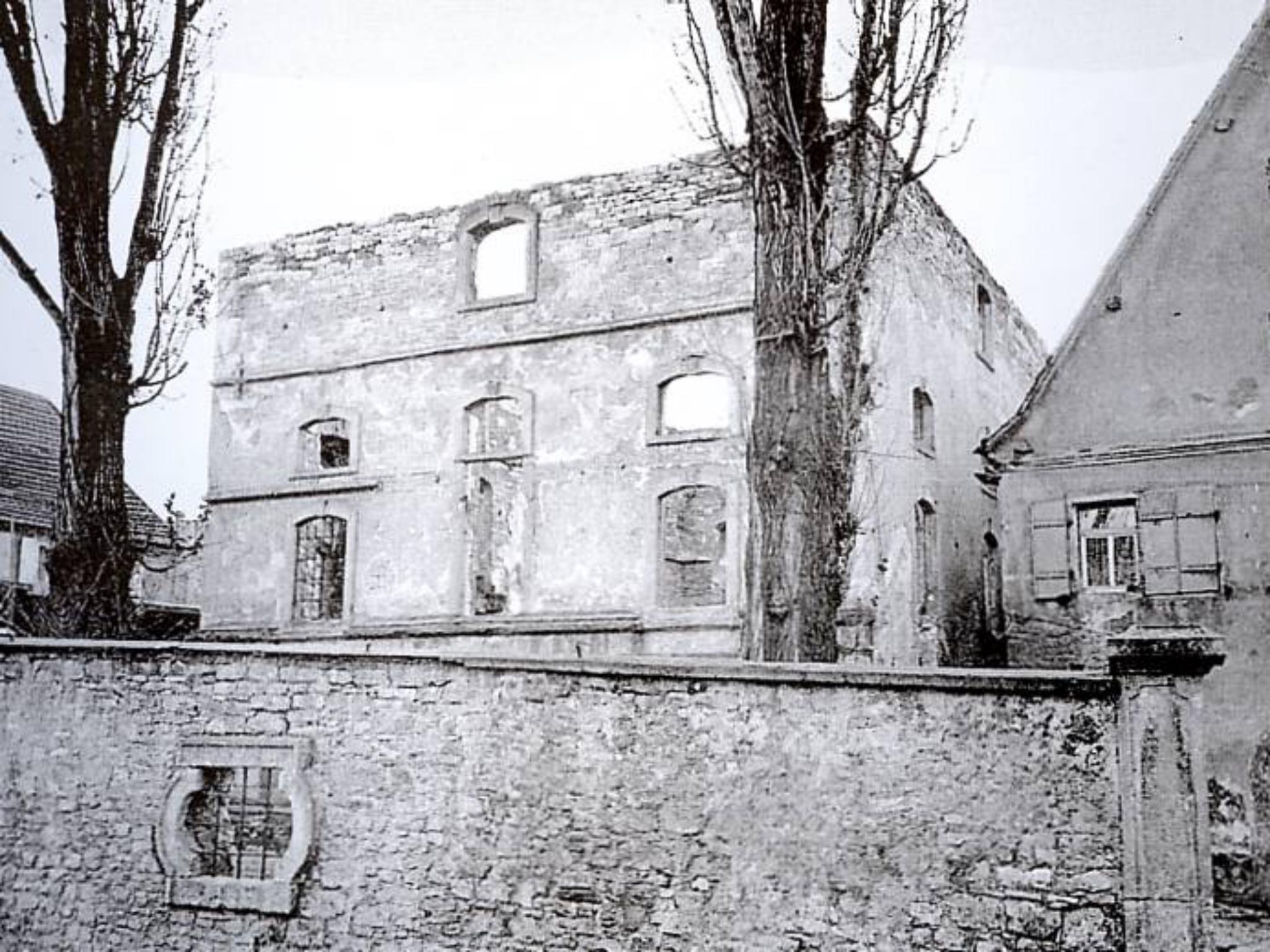 Die zertstörte Synagoge nach der Reichpogromnacht. Archiv: Willi Dürrnagel