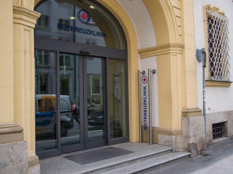 Die Rotkreuzklinik in der Kapuzinerstraße in Würzburg. Foto: Pascal Höfig