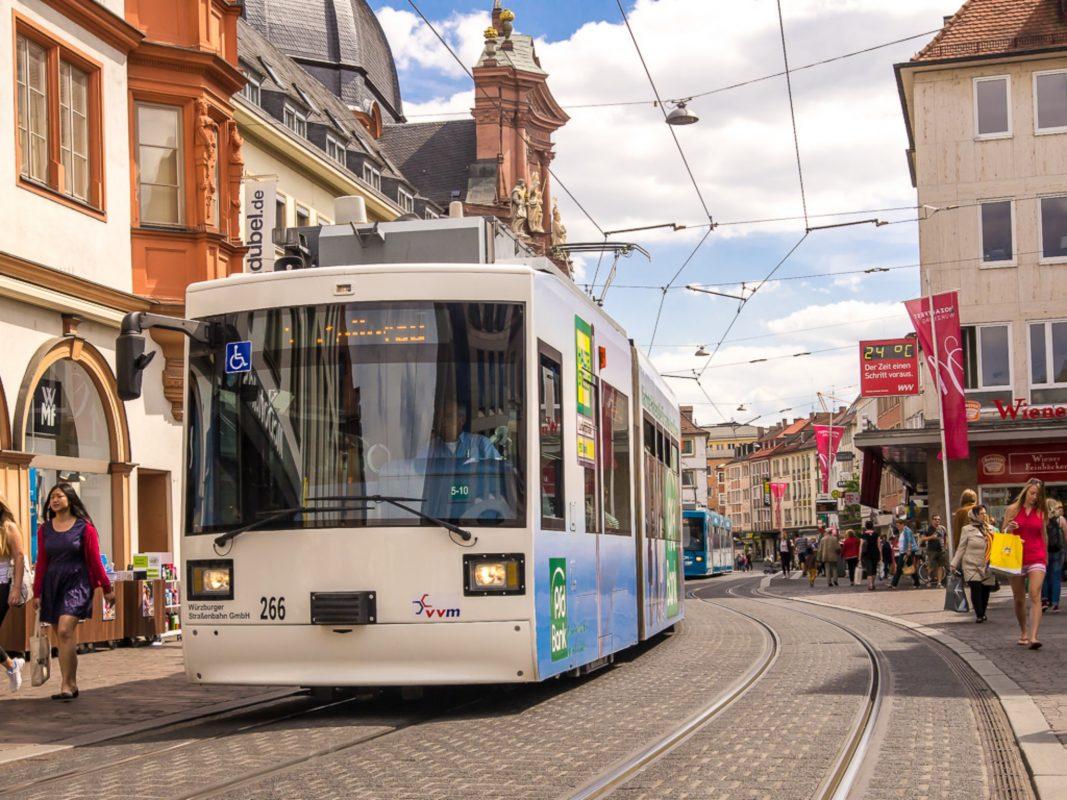 Straßenbahn in Würzburg. Symbolfoto: Pascal Höfig