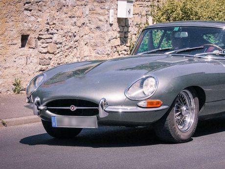 Ein Jaguar Oldtimer. Symbolfoto: Dominik Ziegler