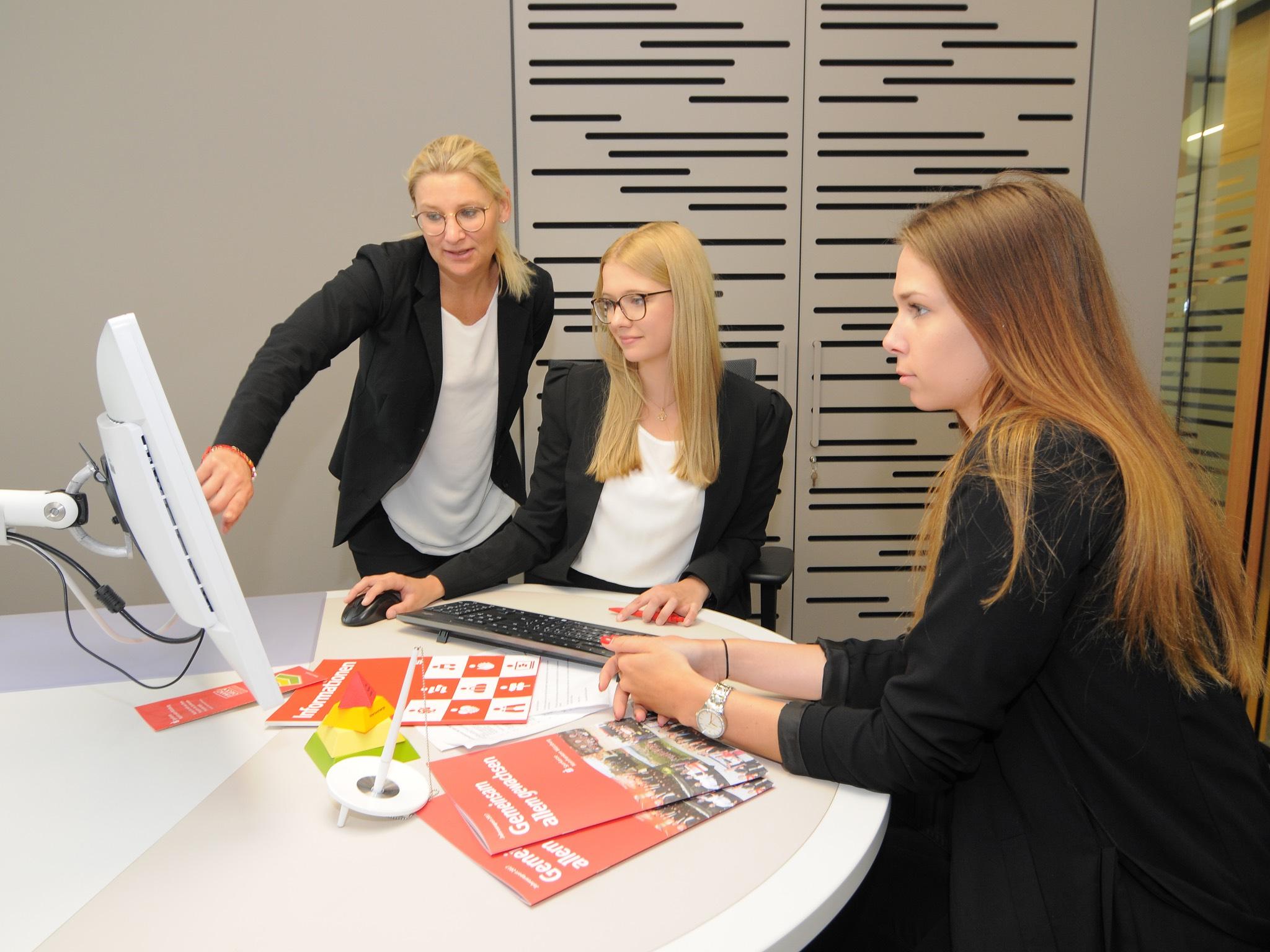 Ausbildung mit Karrierechancen. Foto: Sparkasse Mainfranken Würzburg