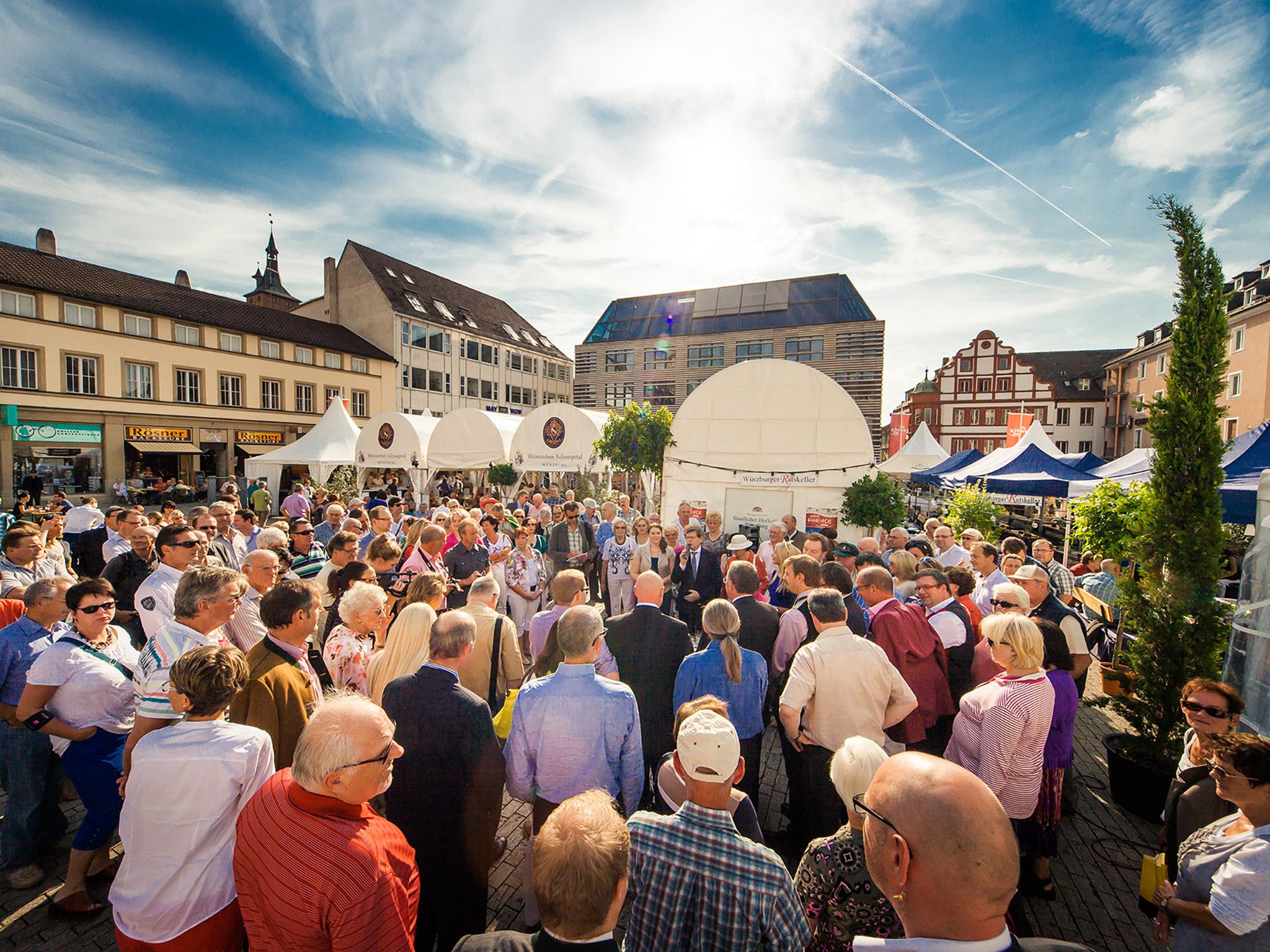 Die Weinparade Würzburg - beliebt bei Jung und Alt. Foto: Weinparade Würzburg