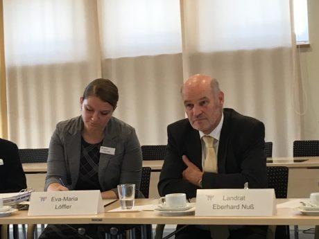 Landrat Eberhard Nuß bei der Pressekonferenz über die Wasserversorgung im westl. LK Würzburg. Foto: Pascal Höfig