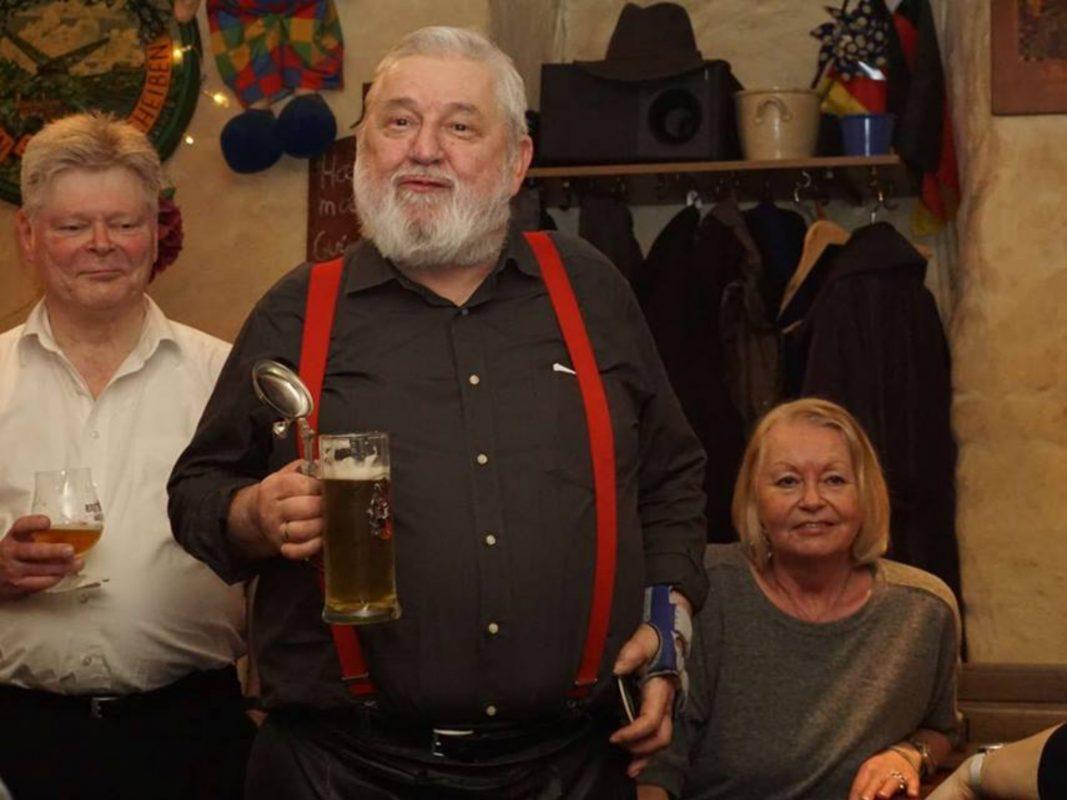 Werner Jäger, der Inhaber des Schelmenkellers, ist auch über die Stadtgrenzen hinweg für seine unverwechselbare Art bekannt. Foto: Schelmenkeller