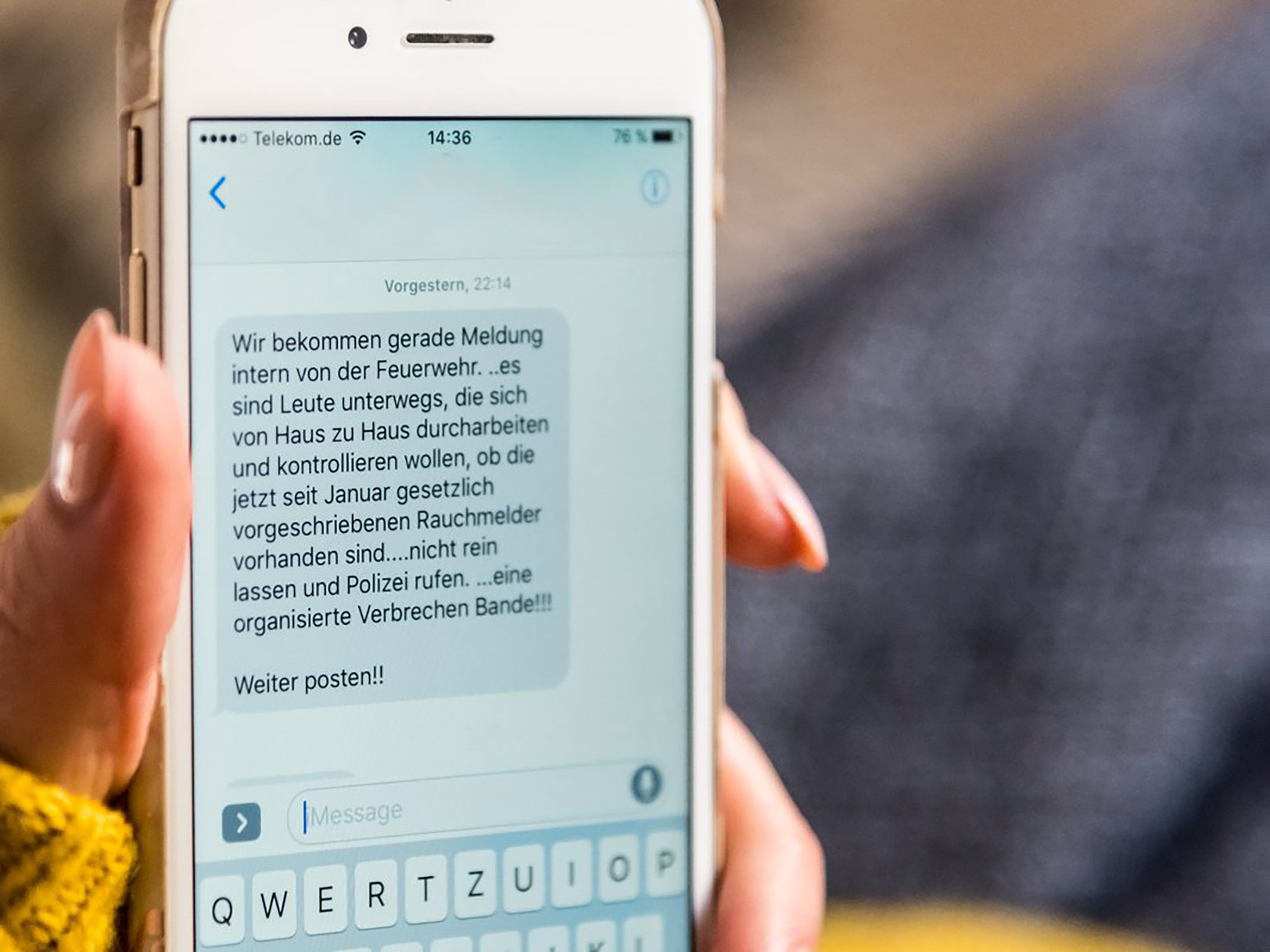 Wie bereits im letzten Jahr häufig zu beobachten war, ist derzeit wieder eine WhatsApp-Nachricht im Umlauf, die vor Betrügern warnt. Foto: Pascal Höfig